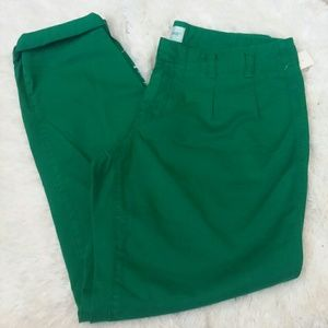 Cute green cropped pants